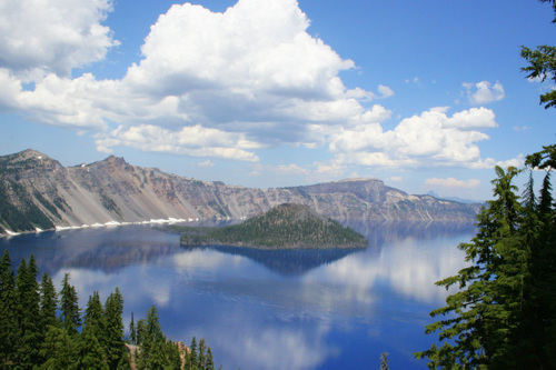Crater Lake and Wizard Island in lots of sunshine in Oregon