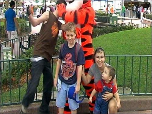 Tigger_takes_a_swipe_courtesy_of_wftv